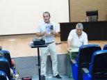 P1270870_Juanjo presenta al Dr. Aranda