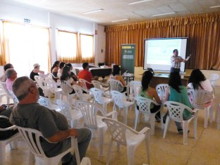 P1270913_Esteban_Charla ECUGA presentacion rutas hábitat garbancillo_