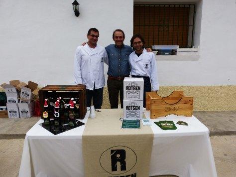 09_Rotsen, empresa del ámbito de la ECUGA, asiste al evento para promocionar su cerveza natural artesana